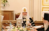 Священный Синод считает полезным поддержание контактов с Парижской католической епархией