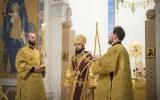 Патриарший экзарх совершил всенощное бдение в Троицком соборном кафедральном храме в Париже
