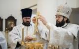 В Крещенский сочельник Патриарший экзарх совершил уставные богослужения навечерия Богоявления в Троицком кафедральном соборе г. Парижа