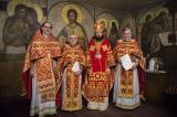 Ряд клириков Корсунской епархии удостоены богослужебных наград к празднику Пасхи