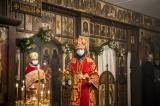 В день Радоницы Патриарший экзарх совершил Божественную литургию в Трехсвятительском храме в Париже