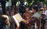 В день Пасхи Христовой епископ Нестор совершил Великую вечерню в Константино-Еленинском храме в Кламаре