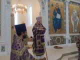 В Великий Четверток епископ Нестор совершил Божественную литургию в Троицком соборе в Париже