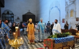 Митрополит Корсунский Антоний и архиепископ Мадридский Нестор совершили Божественную Литургию в Покровском храме г. Гранада