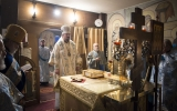В праздник Иверской иконы Божией Матери епископ Нестор совершил Божественную Литургию в Трехсвятительском храме в Париже