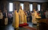 Епископ Корсунский Нестор совершил Божественную литургию в Трехсвятительском храме в Париже