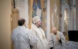 В неделю 35-ую по Пятидесятнице Патриарший Экзарх совершил Литургию в Троицком кафедральном соборе