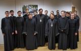 Митрополит Волоколамский Иларион встретился в Париже с учащимися Духовно-образовательного центра прп. Женевьевы Парижской