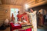 В четверг Светлой седмицы епископ Нестор совершил Литургию в храме Духовно-образовательного центра им. прп. Женевьевы Парижской